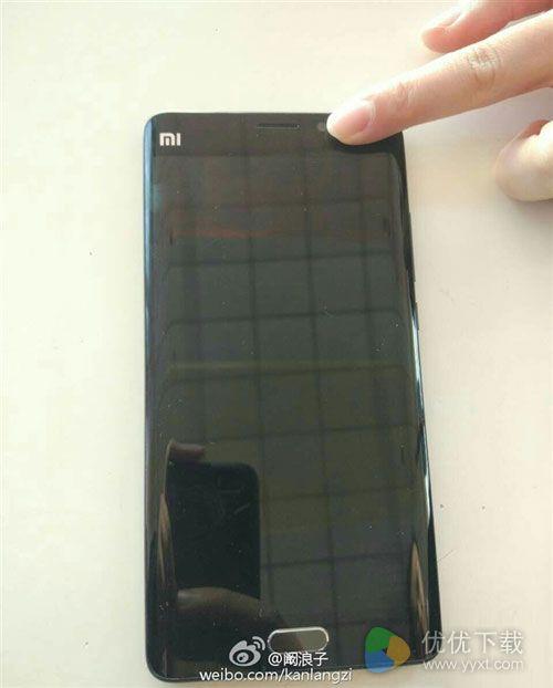 小米Note 2真机的双曲屏超帅2