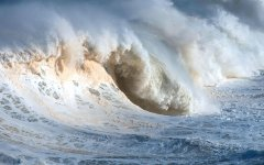 涌的大海桌面壁纸