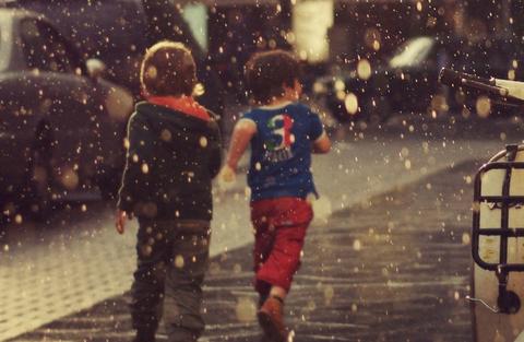 巴山夜雨时 雨中简约风景手机壁纸