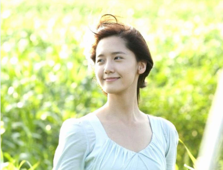 韩国美女林允儿手机壁纸