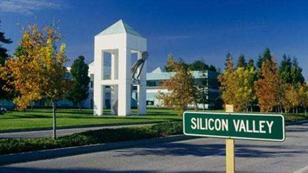通过硅谷谈AI、企业软件及三个世界
