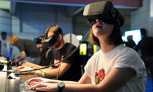 虚拟现实成了高考作文题