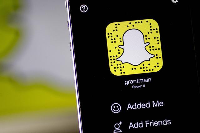 为避免用户蒸发 Snapchat将向用户付费